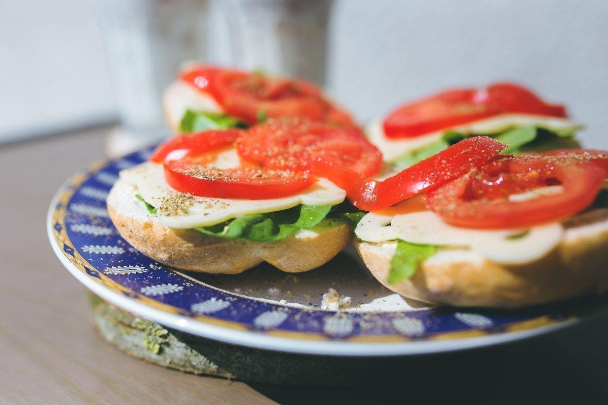 Tosta con tomate